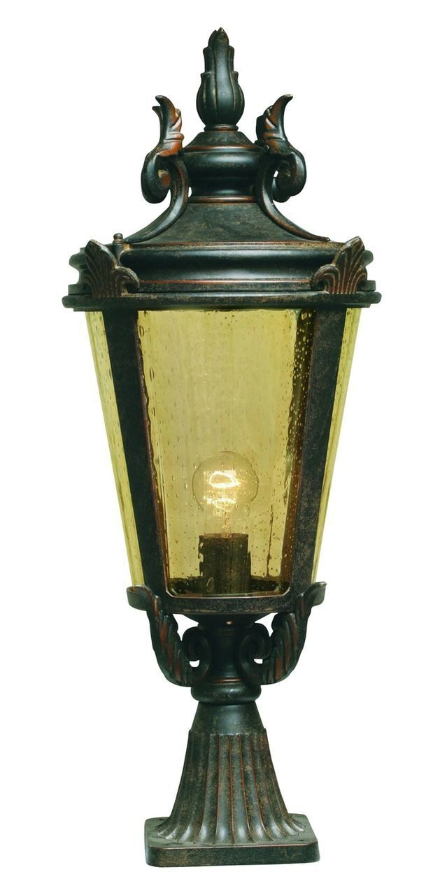 Baltimore Pedestal Lantern Large